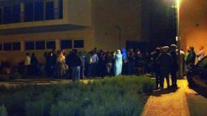 Mais de 100 pessoas, estavam já pela meia noite, à porta do Centro de Emprego de Portimão.