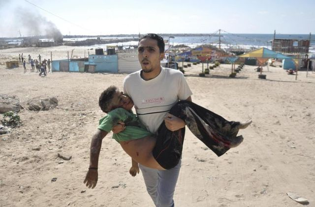 Sur la plage de Gaza_Photo Mohammed Talatene_Reuters