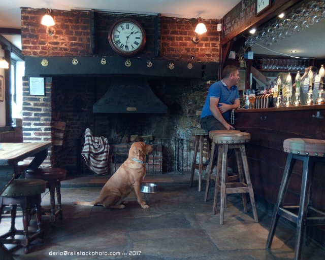 pub_england